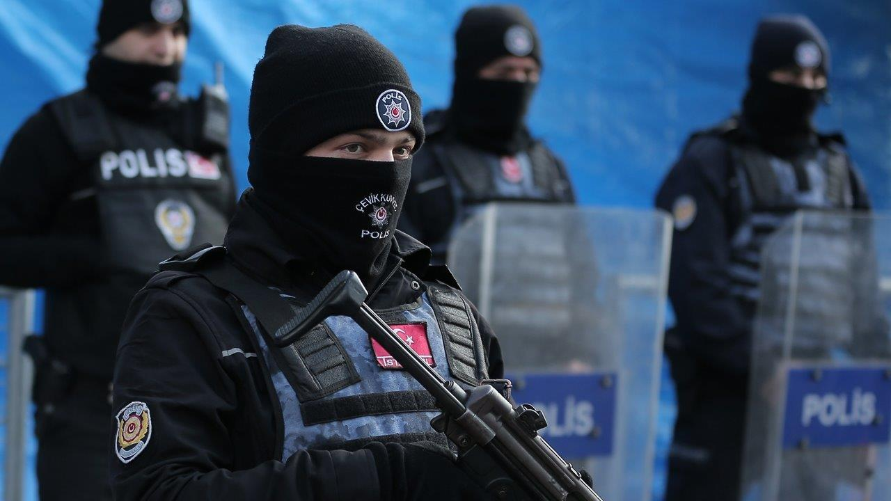 694940094001_5268241657001_Turkish-authorities-detain-8-in-hunt-for-nightclub-gunman.jpg