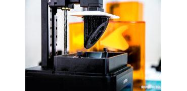 光固化3D打印机如何工作?