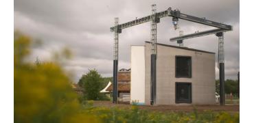 欧洲最大的3D打印机刚刚打印出一栋两层式房屋
